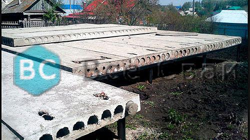 бетонная плита на винтовых сваях